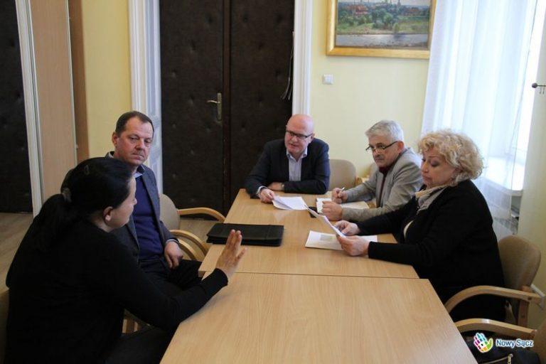 Czy firma na Jagodowej w Chełmcu truje środowisko?