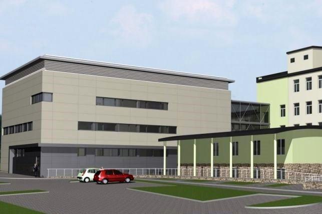 Krynica – Zdrój: Szpitalowi rośnie nowe skrzydło