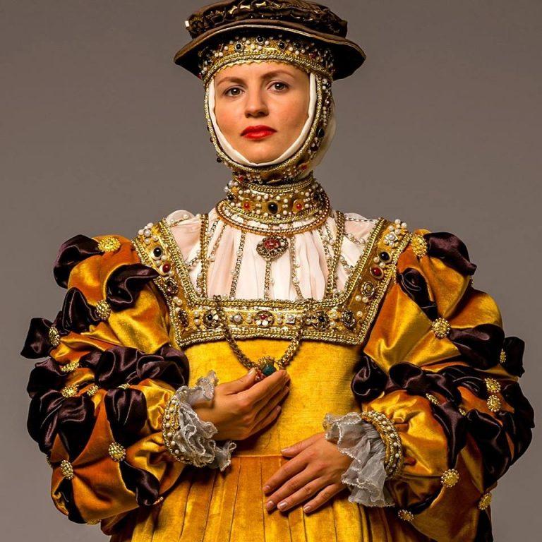 W Nowym Sączu odtworzono suknię Barbary Radziwiłłówny