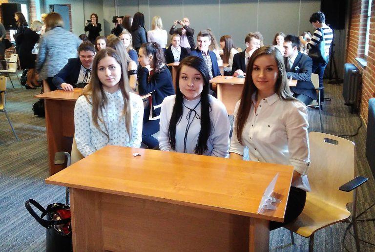 Grybów:  Iza, Julita i Paulina – najlepsze w Małopolsce