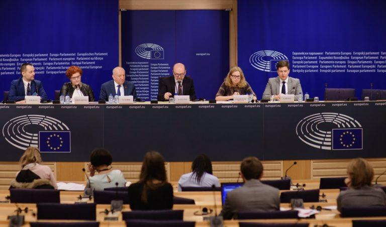 Czy nadal potrzebujemy Komisji Europejskiej, która służy umacnianiu monopoli?