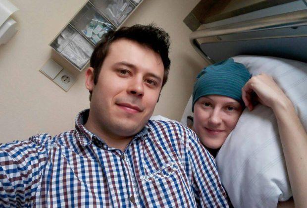 Dominikowice: dzielna mama ocaliła życie synka. Teraz czas na walkę o jej życie.