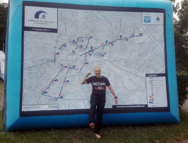 Pierwszy bosy zdobywca Korony Polskich Półmaratonów, Karol Trojan to NASZ CZŁOWIEK!