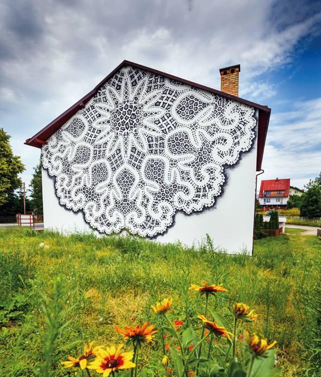 Koronkowy mural z Bobowej wśród 20 najpiękniejszych na świecie
