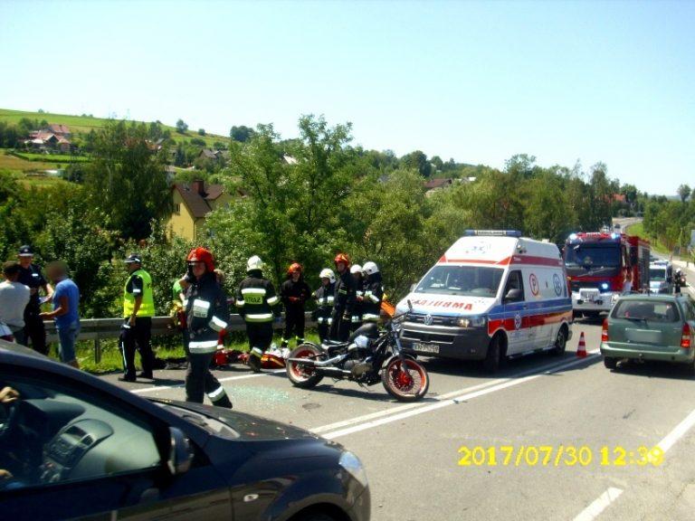 Biała Niżna: zderzenie Volkswagena z motocyklem. Jedna osoba w szpitalu