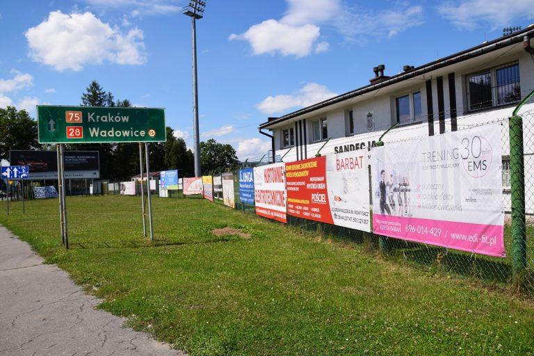 Działka, która ułatwiłaby budowę nowego stadionu Sandecji z zaporową ceną?