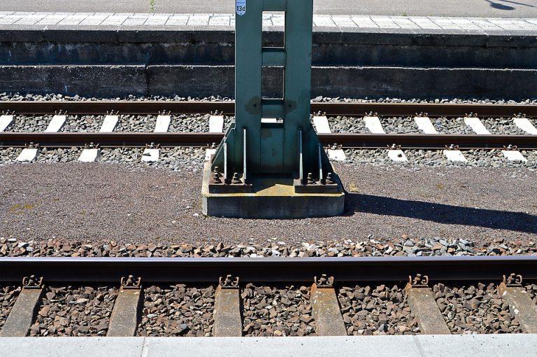 Pociąg ze Stróż pojedzie dużo szybciej