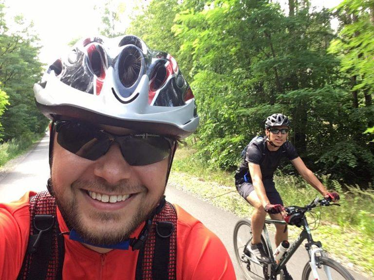 Jak pokonać rowerem 777 kilometrów w upale- opowiada ksiądz Bartosz Seruga MS
