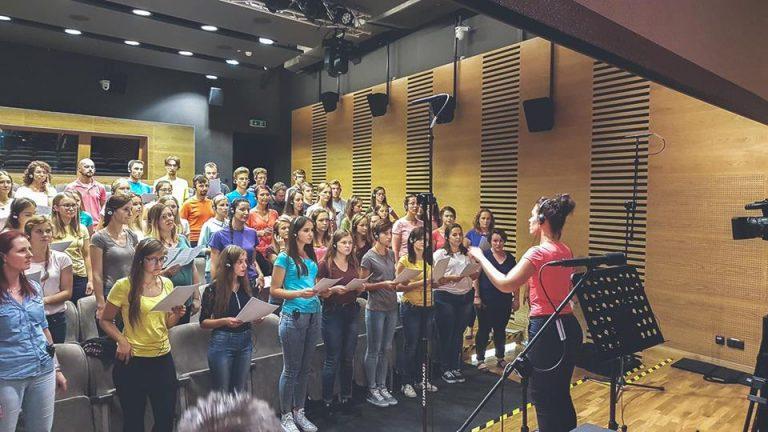 Limanowa, Nowy Sącz: nagrywają hymn na Światowe Dni Młodzieży w Panamie
