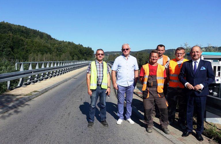 Rożnów, Witowice: Zamontowano sygnalizację świetlną na mostach. Koniec kłótni kto ma jechać pierwszy