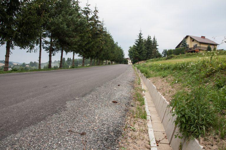 Korzenna: drogowcy nie próżnowali, będzie jazda po równym
