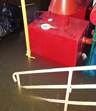 Polany: zalana szkoła. 1,5 metra wody w piwnicy