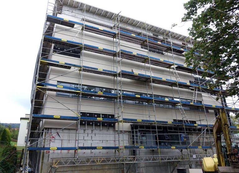 Krynica – Zdrój: rozbudowa szpitala na ostatniej prostej