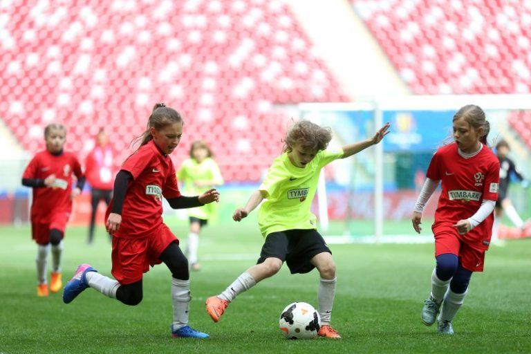 Z podwórka na Stadion o Puchar Tymbarku – ruszyły zapisy do największego w Europie turnieju piłkarskiego dla dzieci