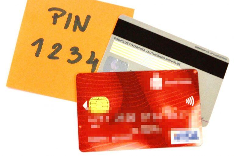 Nowy Sącz: płacił znalezioną kartą, zakupy rozliczyła policja