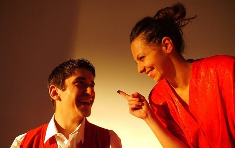 Teatr Nowy kusi: daj się zabić kochanie…