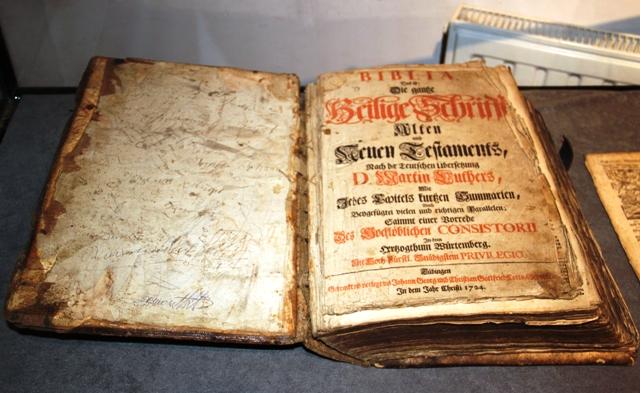 Najstarsza rodzinna Biblia w Nowym Sączu i inne skarby społeczności ewangelickiej