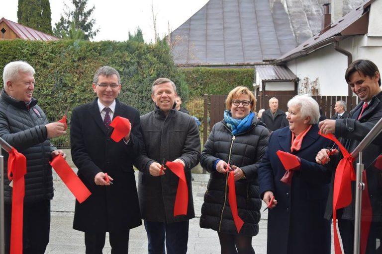 Stary Sącz: wojewoda otworzył nową siedzibę Ośrodka Pomocy Społecznej
