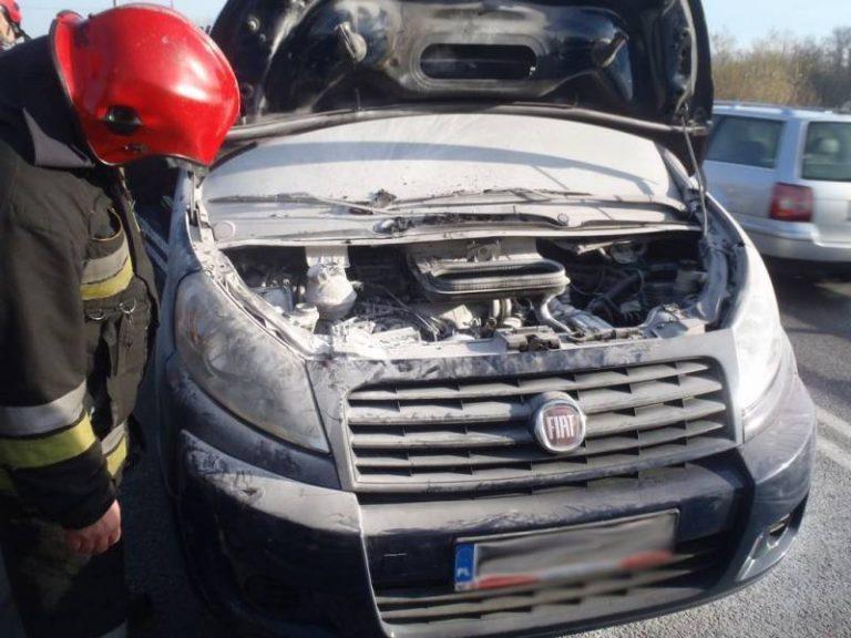 Naszacowice: zapalił się silnik w samochodzie osobowym
