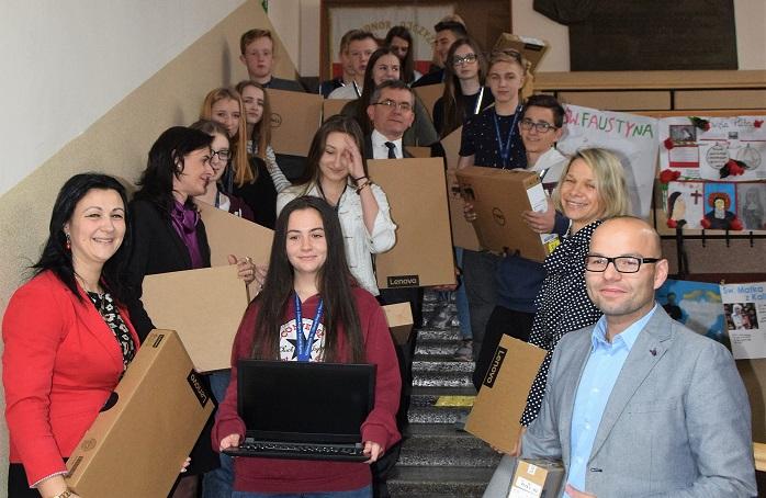 Stary Sącz: uczniowie dostali 200 laptopów