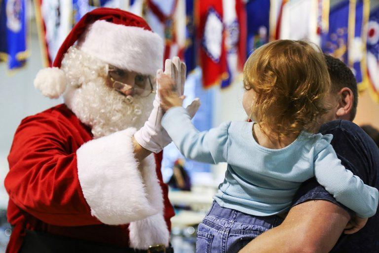 Dzieci piszą listy, a ty możesz zostać Mikołajem i dać im siłę do walki z chorobą