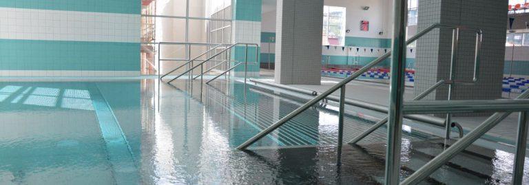 Chełmiec: na basenie topił się uczeń. Przyczyną stan zdrowia