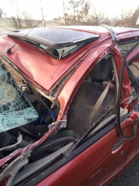 Librantowa: zderzenie samochodu osobowego i ciężarowego. Jedna osoba w szpitalu