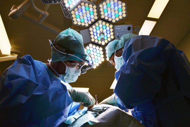 6 grudnia w Nowym Sączu prof. Dudek wszczepi najmniejszy rozrusznik serca na świecie