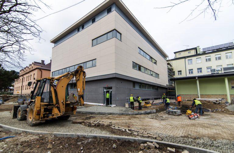 Skrzydło szpitala w Krynicy gotowe do *lotu*