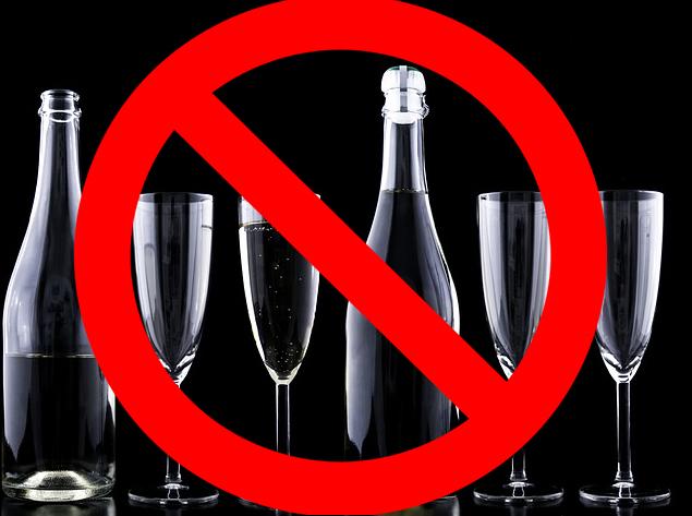 Nocny zakaz sprzedaży alkoholu, czy mniej punktów sprzedaży? Ilu radnych, tyle opinii