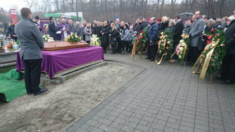 Setki osób pożegnały tragicznie zmarłego Adama Kłębczyka