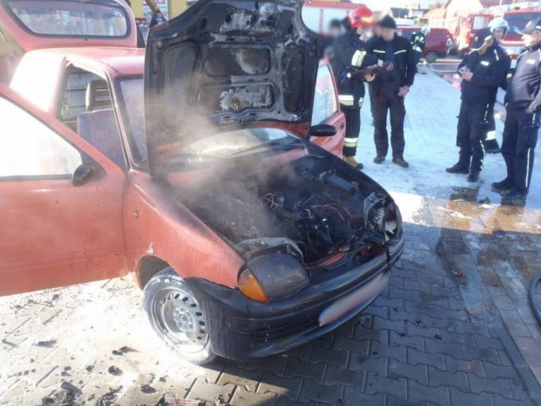 Gołkowice Górne: na parkingu płonął samochód osobowy