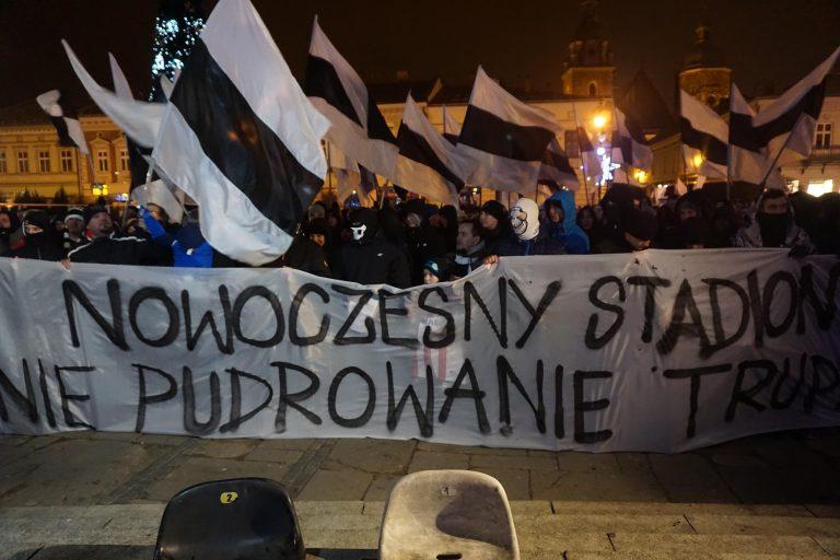 Kibice Sandecji protestują. Nie będzie dopingu, flag i Kibiców na prezentacji drużyny