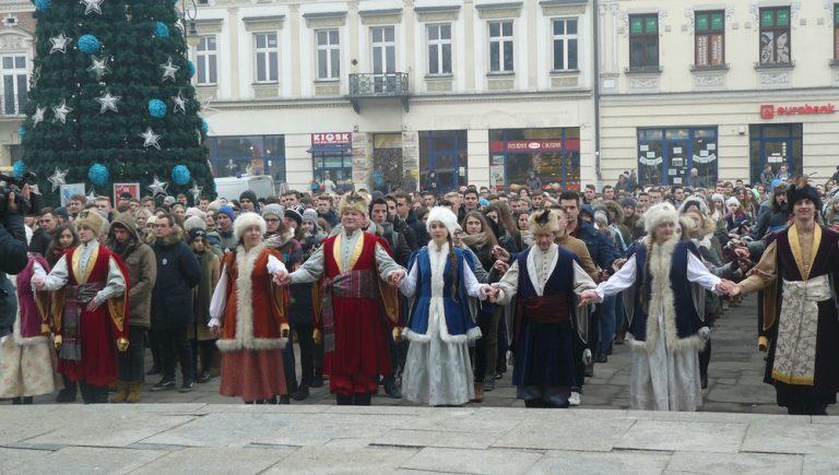 Maturzyści zatańczą Poloneza na sądeckim rynku