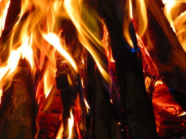 Podrzecze: pożar w hali produkcyjnej