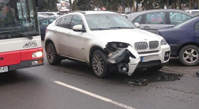 Nowy Sącz: zderzenie BMW z Fiatem. Na szczęście nikt nie odniósł obrażeń