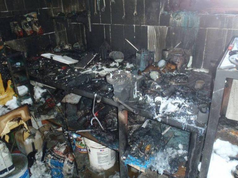 Nowy Sącz: prace spawalnicze wywołały pożar w garażu. Mężczyzna trafił do szpitala