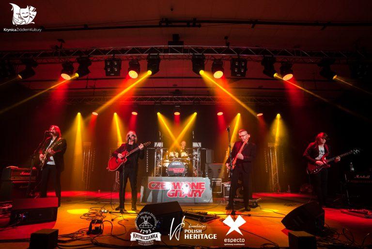 Czerwone Gitary – legenda polskiej sceny muzycznej na scenie pijalni głównej w Krynicy Zdroju.