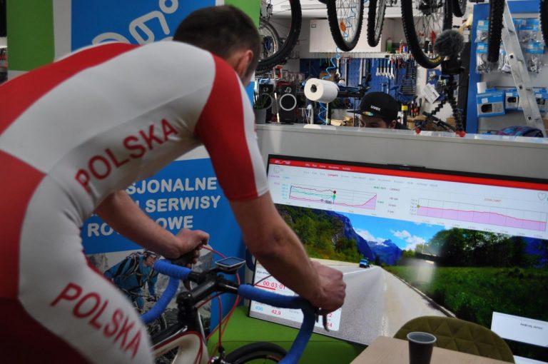 Emocjonujący finał Tour de Bike Atelier. Andrzej Jarosz pokonał trenażer