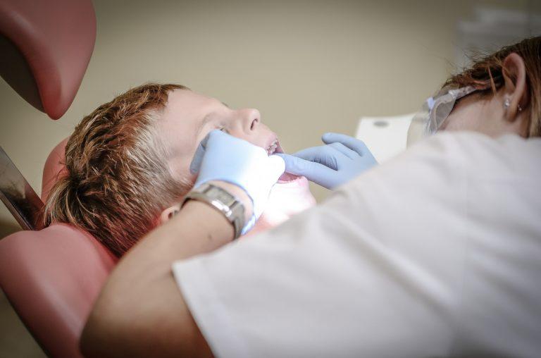 Pacjenci zjedli zęby w poczekalni