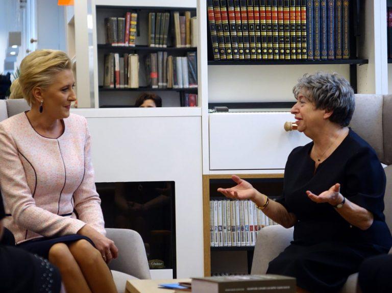 Pierwsza Dama RP otworzyła starosądecką bibliotekę