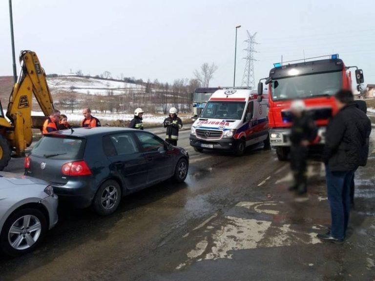 Nowy Sącz: trzy auta rozbite na ul. Węgierskiej