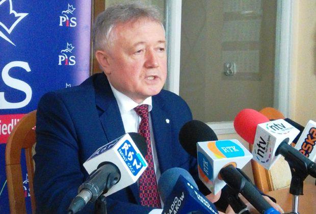 Premier odchudza rząd. Czy Wiesław Janczyk przetrwa jako wiceminister?