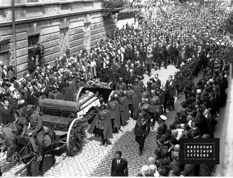 Czwarty pogrzeb generała Bronisława Pierackiego