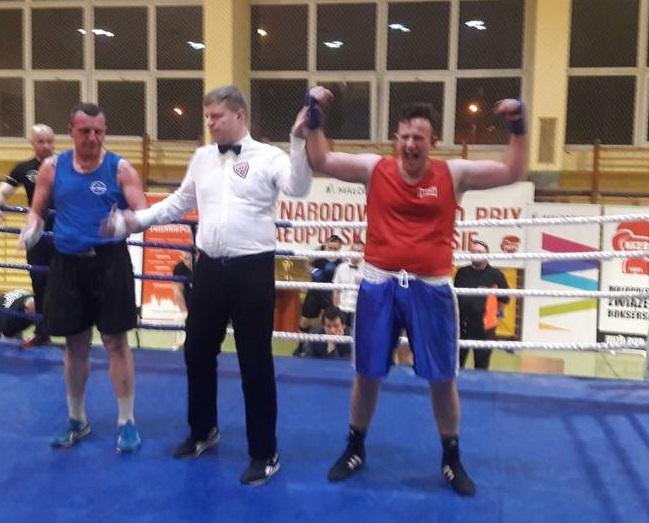 UKS Gladiator jednego dnia najlepszy w boksie, kickboxingu i… pływaniu!