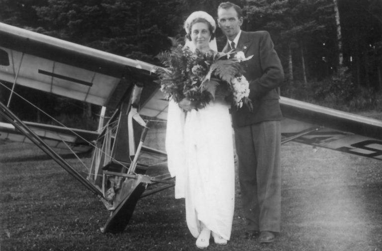 """W Tęgoborzy i na Juście przeżyła szczęśliwe chwile… Pani pilot będzie tutaj miała """"swoje"""" miejsce pamięci"""