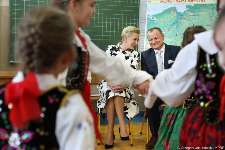 Pierwsza Dama w Janczowej: macie takie same szanse edukacyjne jak Wasi rówieśnicy z miast