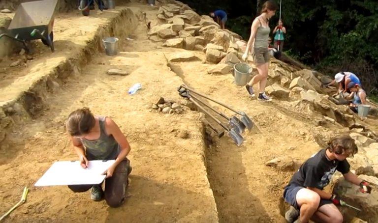Nagrodzono archeologiczne odkrycia na Górze Zyndrama w Maszkowicach