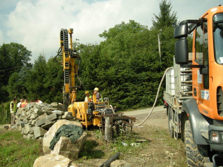 Droga Krajowa-75 w Tęgoborzy zostanie zamknięta na kilka miesięcy. Będą stabilizować osuwisko
