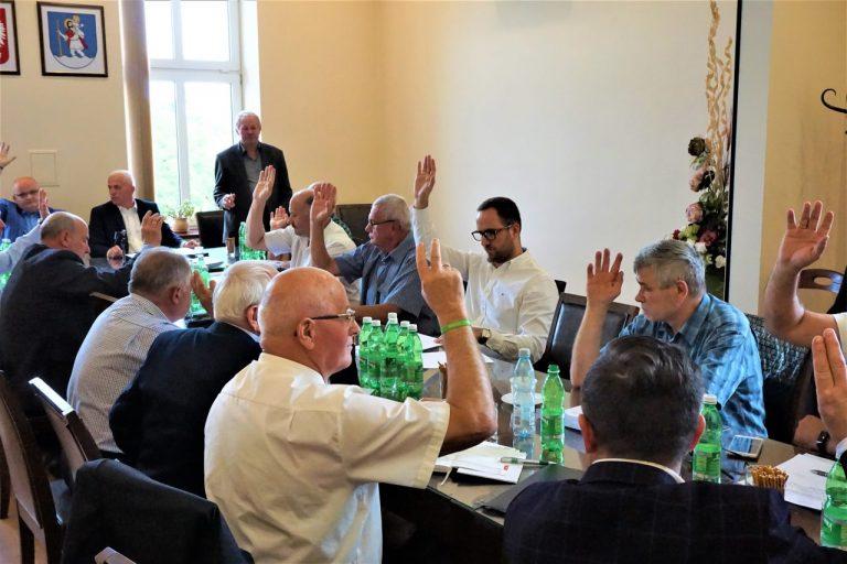 Jak poprawić sytuację na sądeckich drogach? Sesja nadzwyczajna w Chełmcu